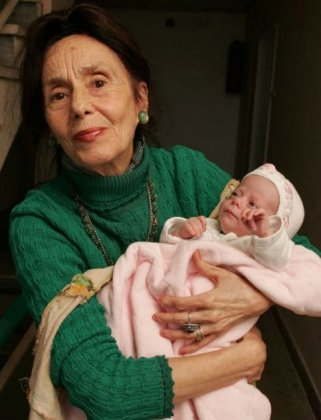 Самая пожилая мама в мире