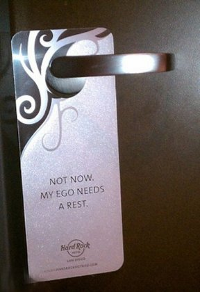 Прикольные таблички на дверь