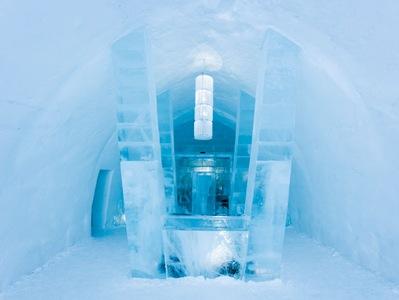 Ледяной отель в стиле Трон