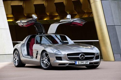 Лучшие автомобили 2011 по версии Playboy