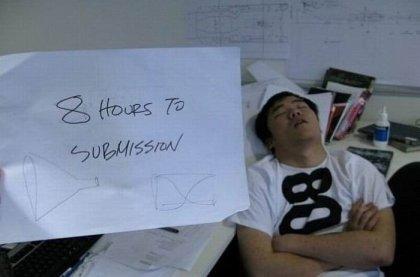 Спящие люди на работе