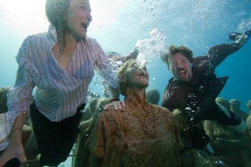 Подводная акция от Greenpeace