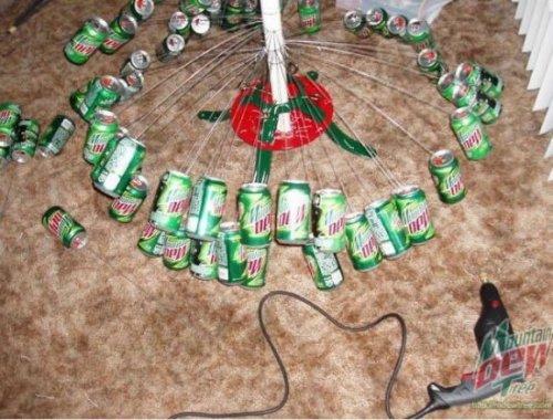 Новогодняя елка от любителей Mountain Dew