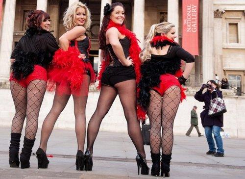 Танцы бурлеск в самом центре Лондона