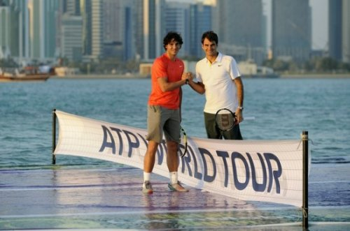 Федерер и Надаль испытали свои силы на теннисном корте на воде