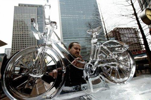 Ледяной велосипед в Лондоне