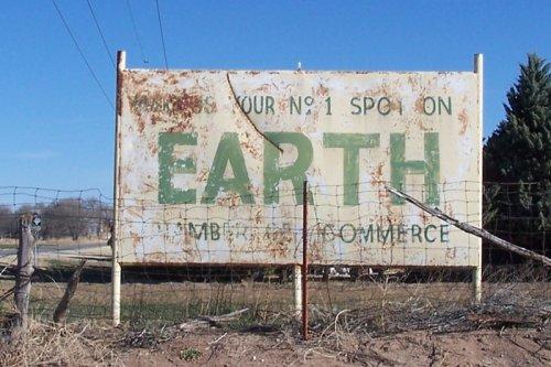 Земля с населением в тысячу человек