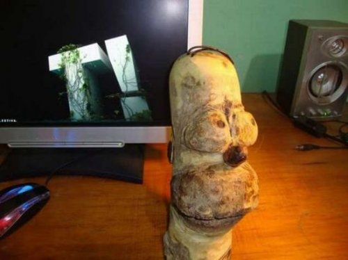 Деревянный Гомер Симпсон