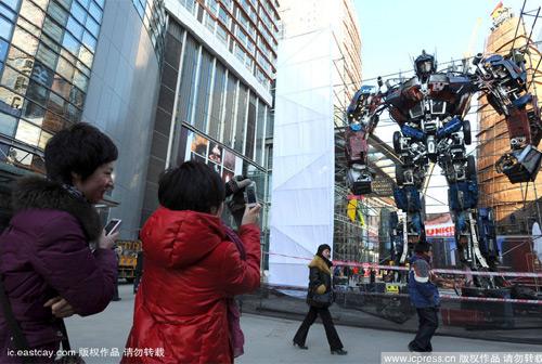 Оптимус Прайм - новый предмет поклонения китайцев