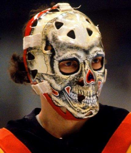 Самые оригинальные хоккейные маски