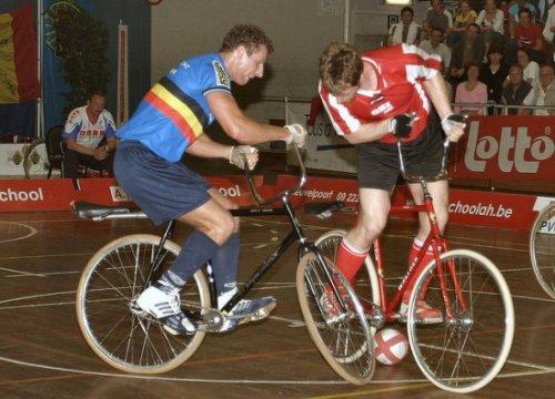 Сайклбол - сочетание велоспорта и футбола