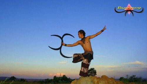 Buugeng - современное жонглирование