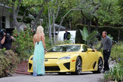 Lexus для Paris Hilton