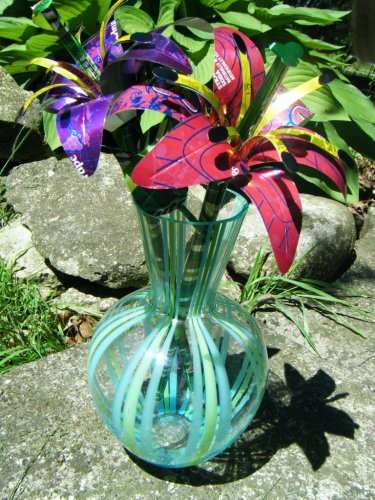Цветы из жестяных банок