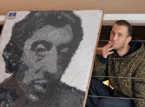 Портрет из сигаретных фильтров