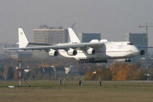 Хороша ласточка.  Самый большой в настоящее время самолет в мире Ан-225 Мрия (Мечта) был создан для удовлетворения...