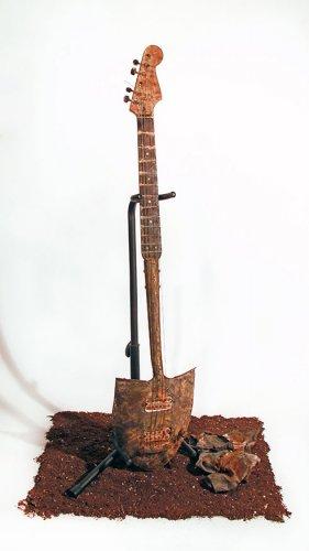 12 уникальных гитар