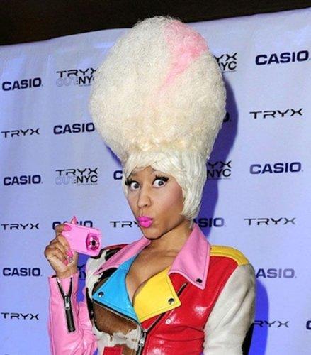 Сумасбродные парики Nicki Minaj