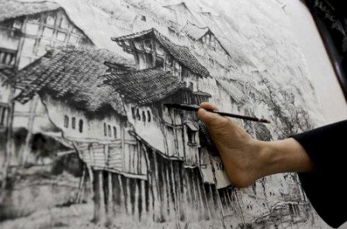 Картины, написанные ногами