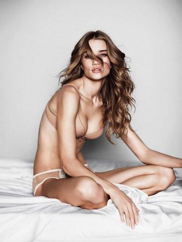Самые сексуальные девушки по версии журнала MAXIM 2011