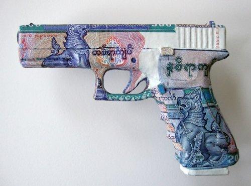 Скульптуры из банкнот