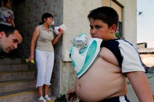 Хорватский мальчик-магнит
