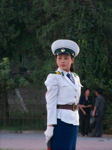 Девушки полицейские со всего мира