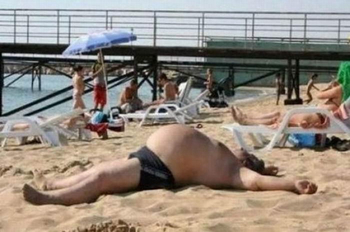 Попочка домашняя толстый мужик лежит сюжетом секс