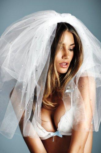 Сексуальная невеста от Victoria's Secret