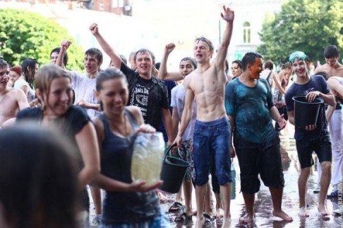 Мокрый флэшмоб в Харькове
