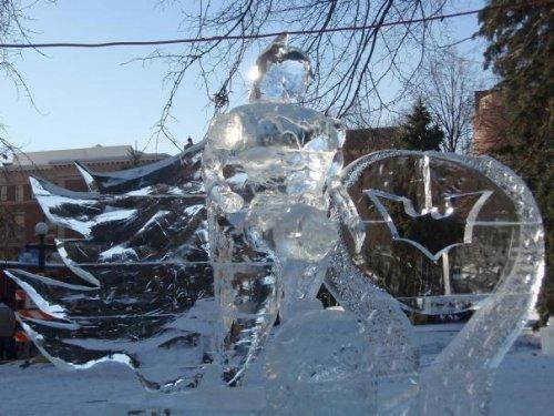 Необычные ледовые скульптуры