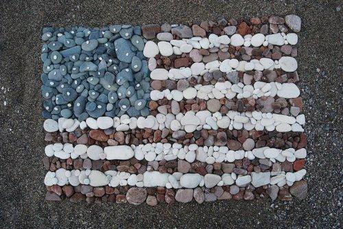 Американский флаг из подручных материалов