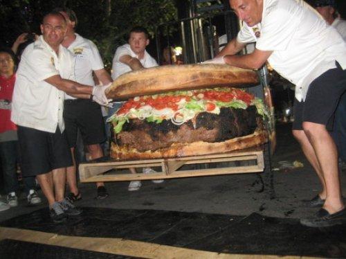 Самый большой в мире гамбургер