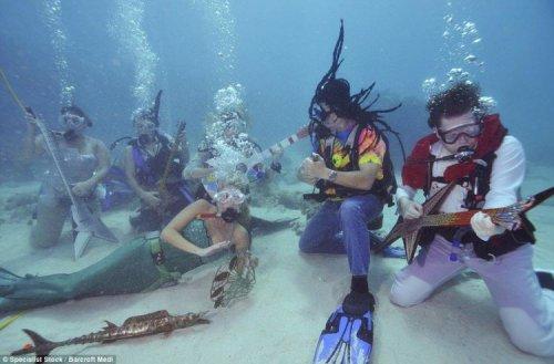 Музыкальный фестиваль под водой во Флориде