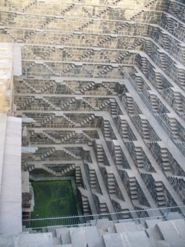 Многоступенчатый колодец Chand Baori (Индия)