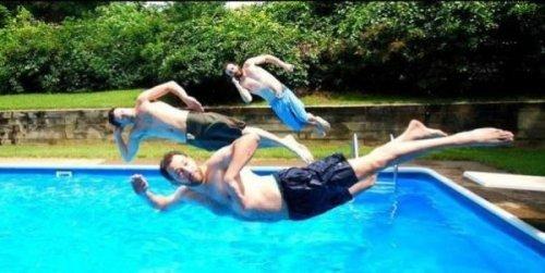 Забавные прыжки в воду
