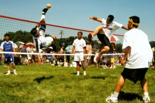 Необычный вид спорта - Сепак Такроу