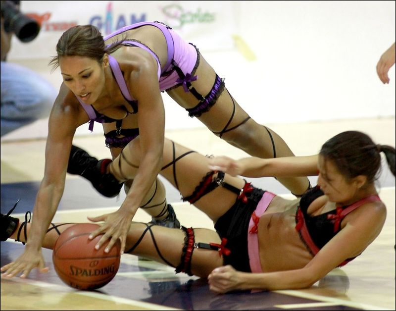 goliy-zhenskiy-basketbol