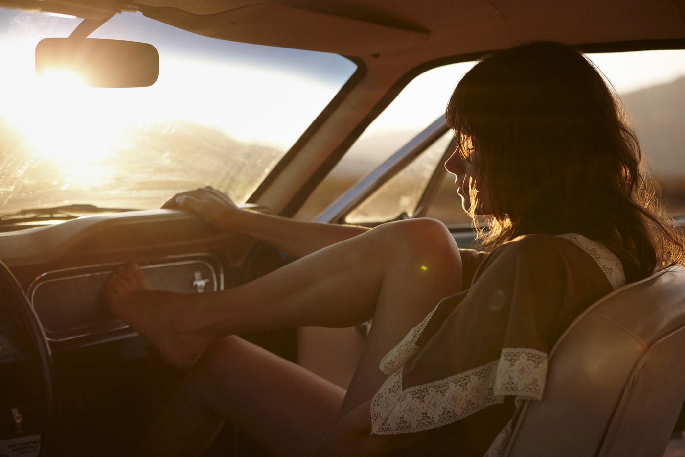 Что девушка в транспорте в парне замечает 23 фотография