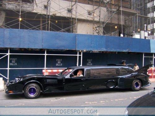 Лимузин в стиле Бэтмобиля