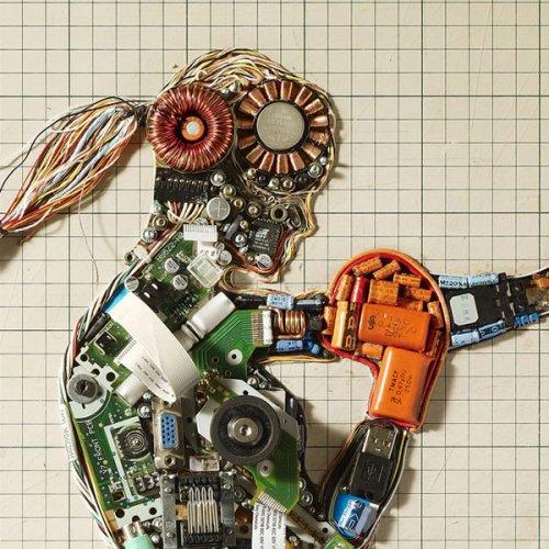 Креативные постеры из деталей компьютера