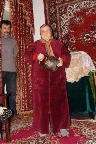 Самая сильная бабушка в мире