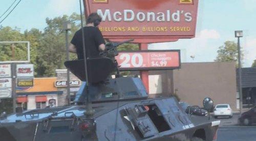 На танке в Макдональдс