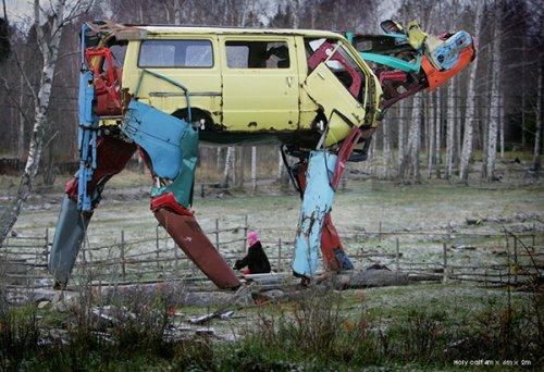 Железные коровы из старых машин