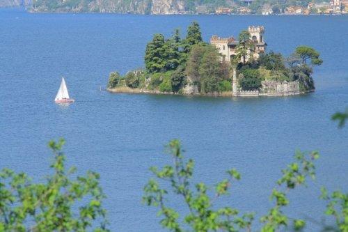 Замок Лорено