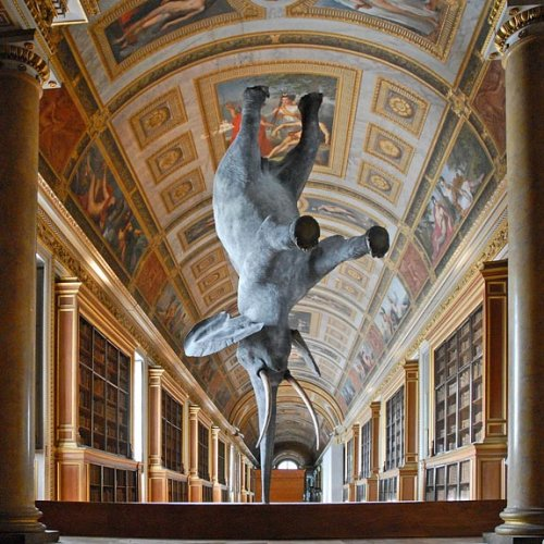 Необычные скульптуры и памятники