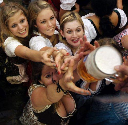 "Праздник пива ""Октоберфест 2011"""