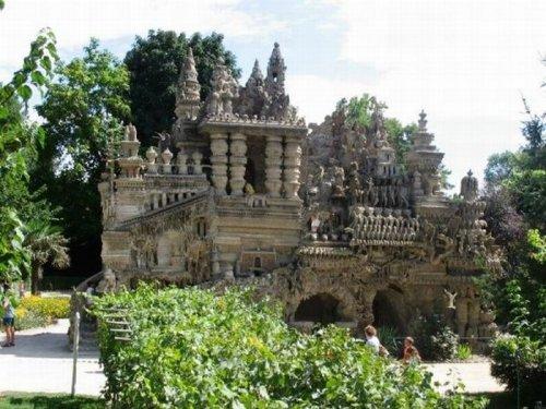 Самодельный дворец