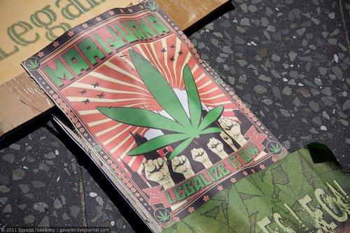 """Парад за легализацию наркотиков и фестиваль """"Берлин смеётся"""""""