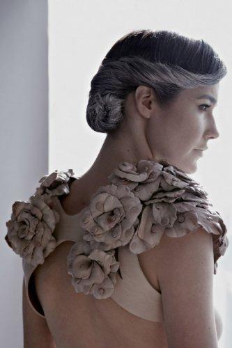 Провокационное платье из сосков